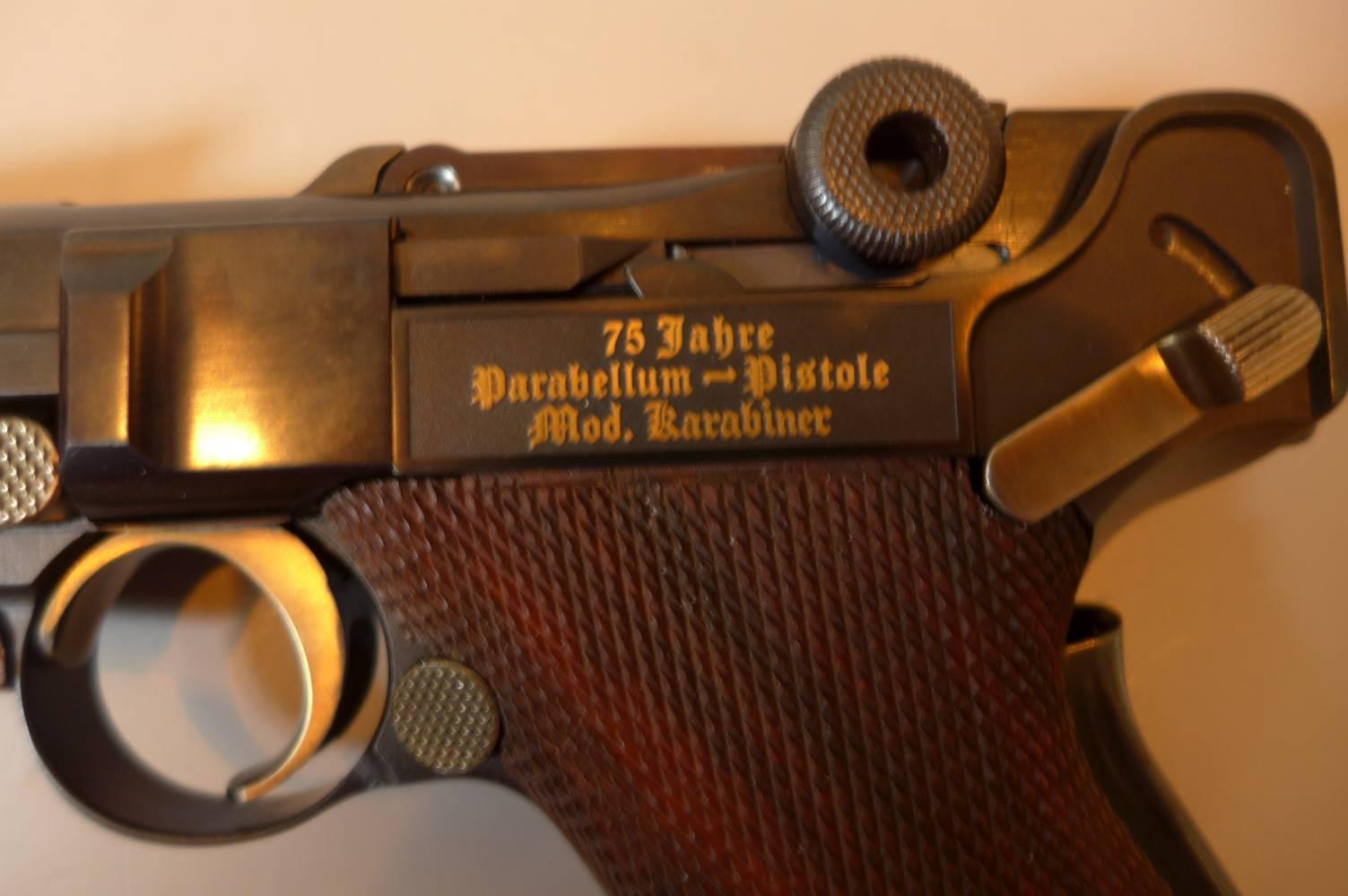 Seriennummer mit Pistole datiert