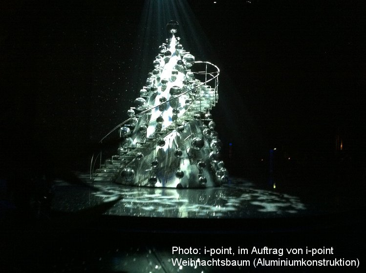 Photo: Metallbau Wittenberg, on behalf of i-point, Christmas tree alum