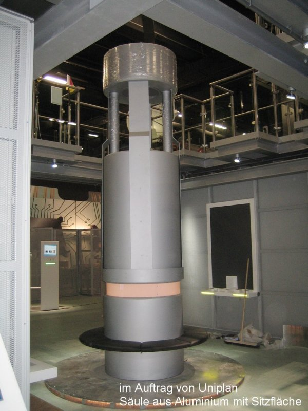 Photo: Metallbau Wittenberg, on behalf of Uniplan, Column of aluminium