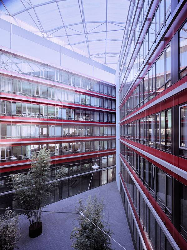 Photo + Order: BIS IKF GmbH, Facade construction