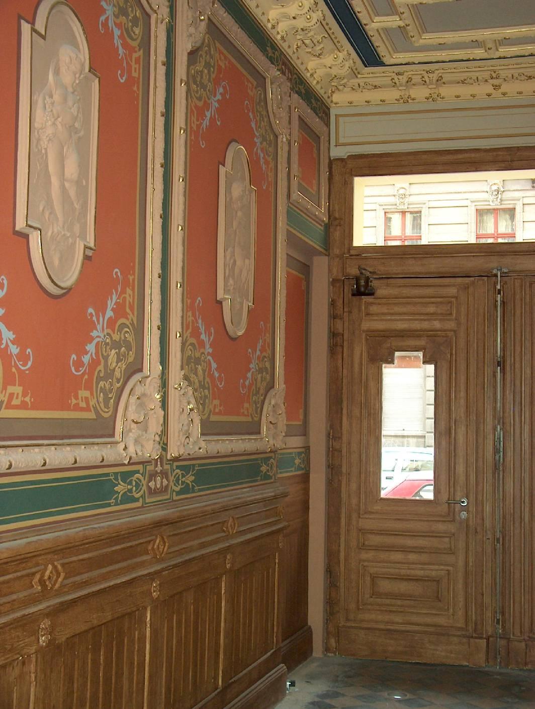 Im Eingangsbereich Aus Dem Gründerzeit Altbau In Berlin Wurde Von  Malermeister Norbert Schimpf (der Auch