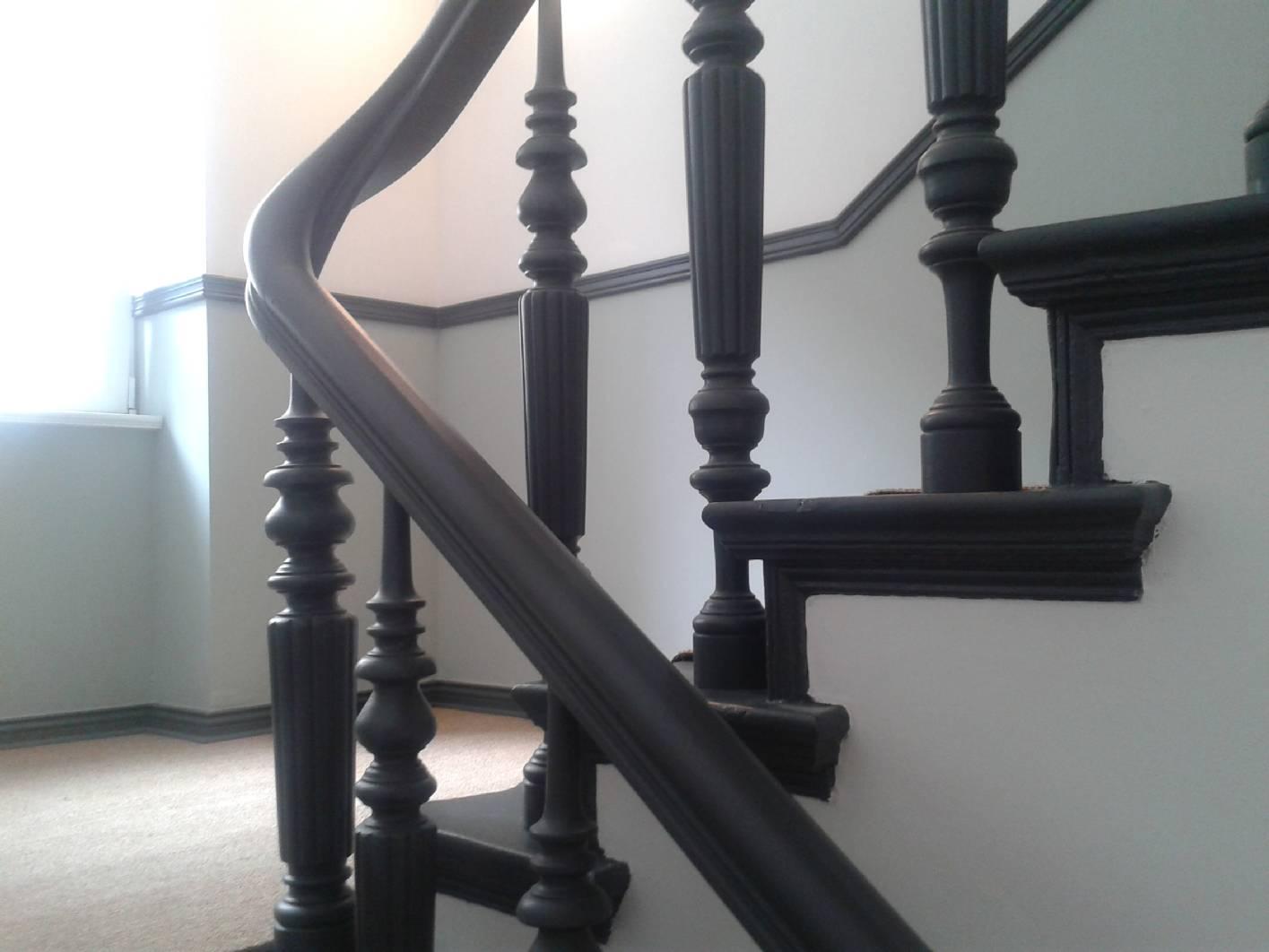 Gr nderzeit treppenhaus in berlin mit malerarbeiten for Treppenhaus grau