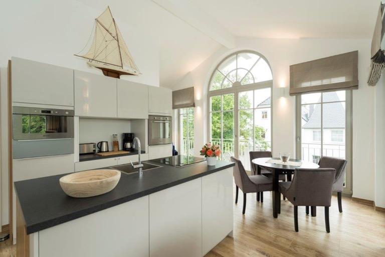 einrichtungsservice f r ferienhaus ferienwohnung an der ostsee. Black Bedroom Furniture Sets. Home Design Ideas