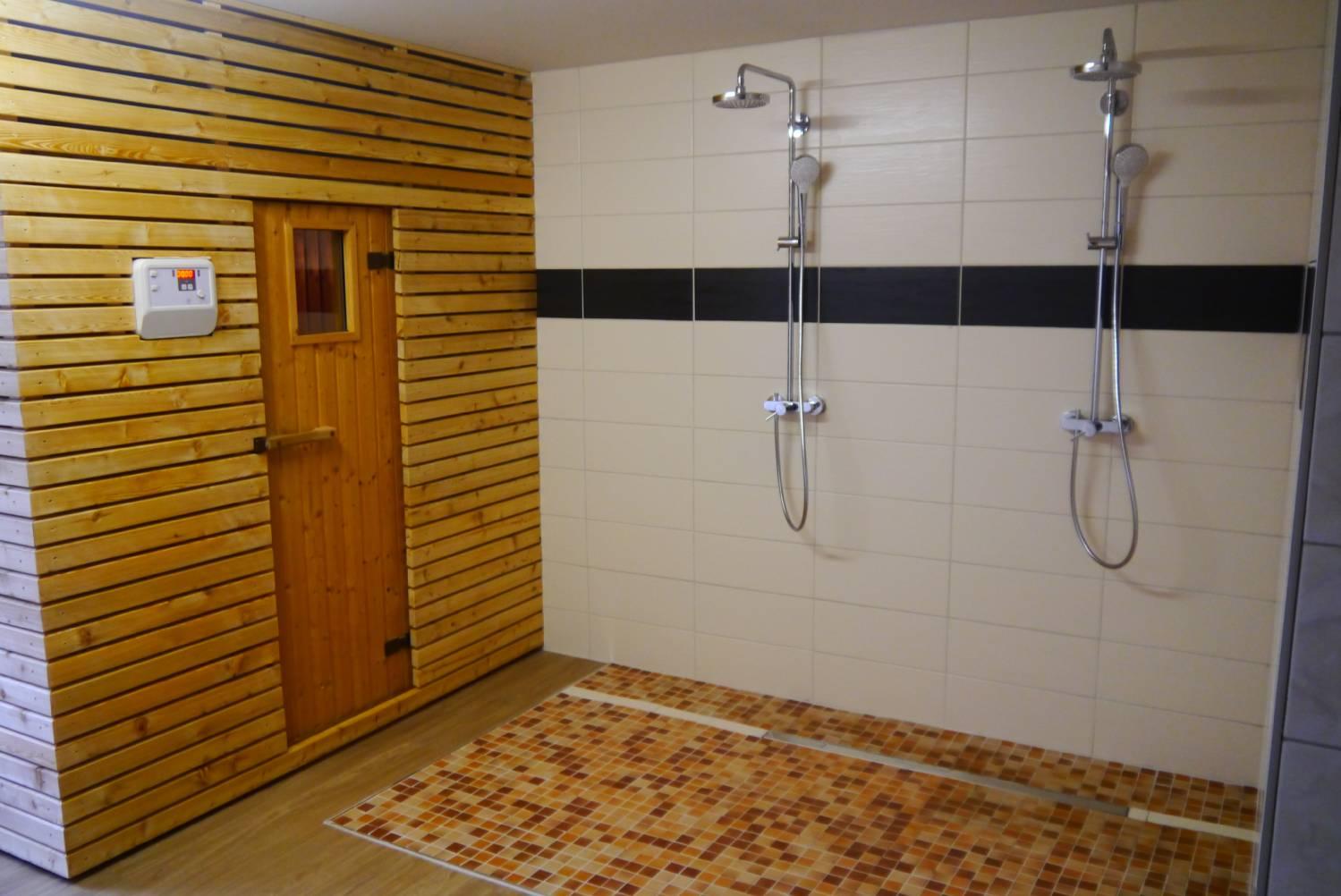 s dliche weinstra e ihr ferien und urlaubshotel linde in der pfalz sauna. Black Bedroom Furniture Sets. Home Design Ideas