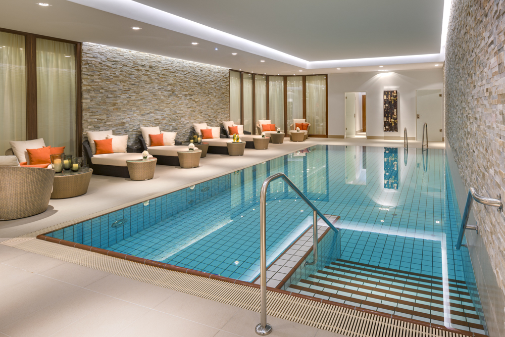 Foto: Breidenbacher Hof, a Capella Hotel - SPA - Pool