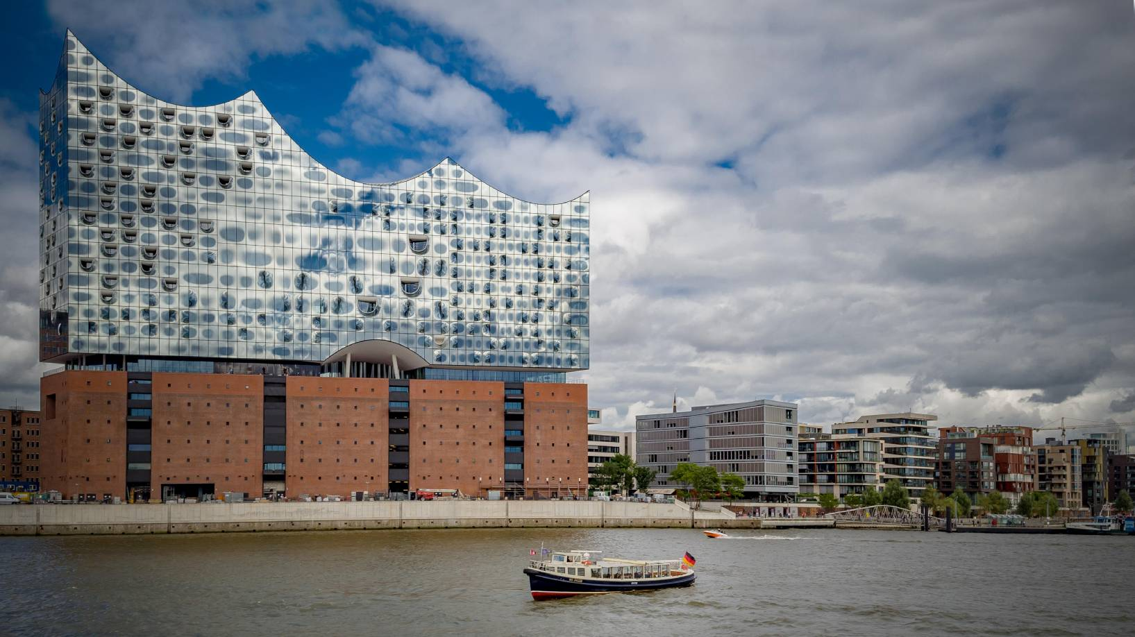 Foto by Hotel Louis C. Jacob Hamburg - MS Jacob und Elbphilharmonie Hamburg