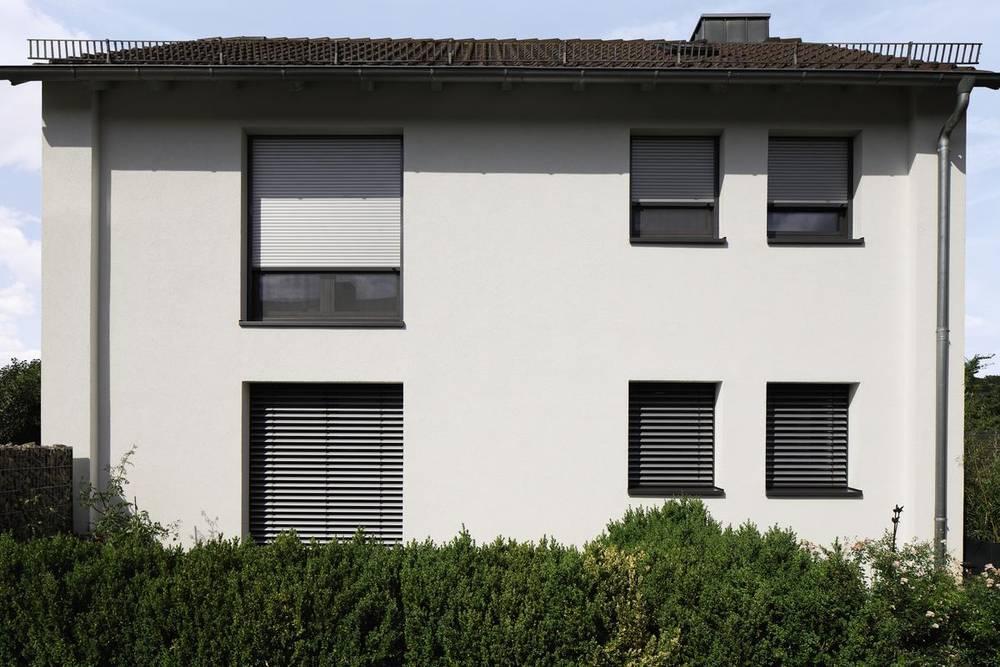 Neubau Aufsetz Rollladen Und Aufsetz Rollladen Lassen Sich Schnell Und  Einfach Direkt Auf Das Fenster Montieren Und Bieten Damit Die Perfekte ...