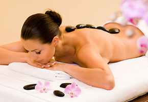 Wellness in Usingen: Hot-Stone-Massage