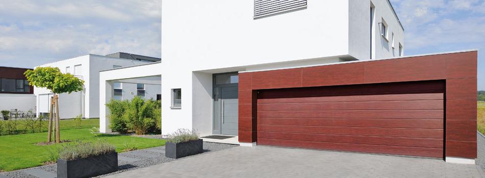 Garagentor holz modern  Reindl Bauelemente in Velburg - Garagentore
