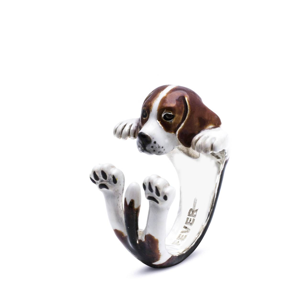 Beagle_Hug Ring_enameled_DIAGONAL_HIGH