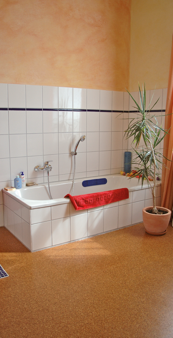 Außerdem Verfügt Er über Optimale Baubiologische Eigenschaften. Das Macht  Kork Zu Einem Fußcharmanten, überzeugenden Partner, Auch Im Badezimmer!