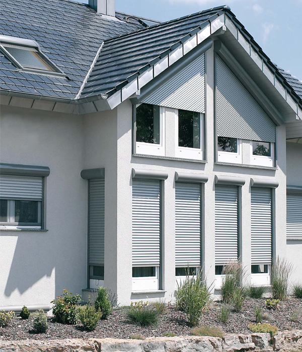 überdachter Vorbau Am Haus: Sonnenschutz Im Objektbereich