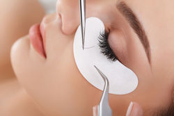 Wimpernextension - Kosmetikbehandlung YLO 21 beautyhouse