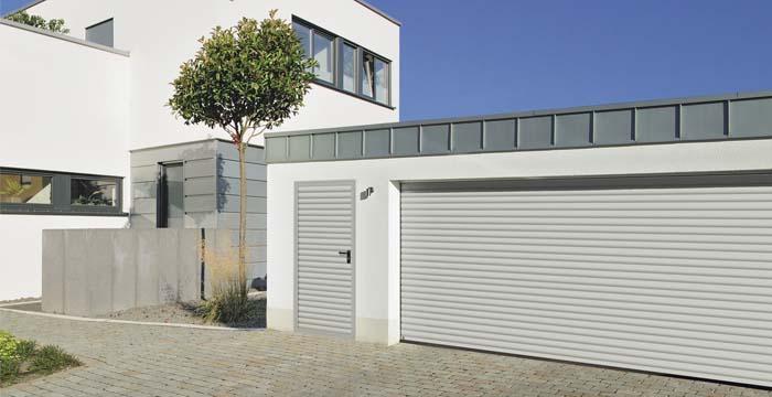 Garagentor mit nebentür  Riwa Tore & Türen GmbH in Allershausen - Garagen-Nebentüren